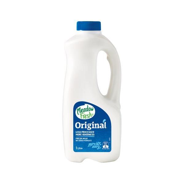 Meadow Fresh Milk Standard plastic bottle 1l